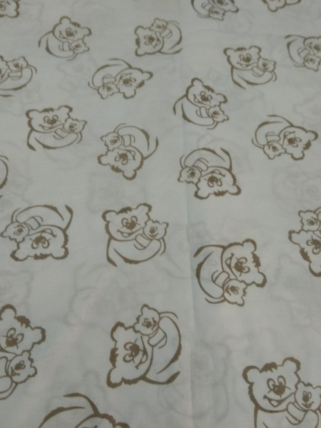 Поплин. Кофейные мишки на белом фоне