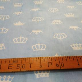 Бязь модная. Белые короны на голубом фоне