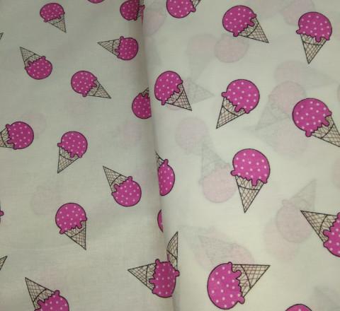 Бязь модная. Мороженое цвета фуксии на белом фоне