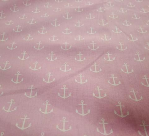 Бязь модная. Белые якоря на розовом фоне