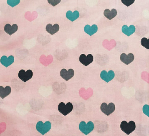 Бязь Ranforce разноцветные сердца на розовом фоне