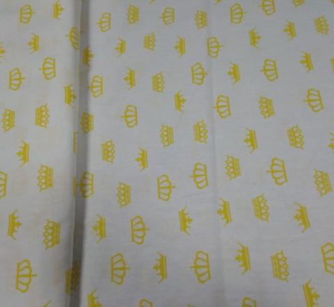 Бязь модная. Желтые короны на белом фоне