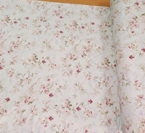 Бязь Ranforce акварель. Цветы на белом светло-мятном фоне