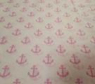 Бязь модная. Розовые якоря на белом фоне