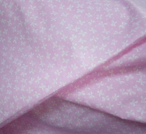 Бязь модная. Белые бантики на розовом фоне